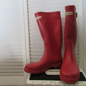 Bearpaw coral red rain boots size 7